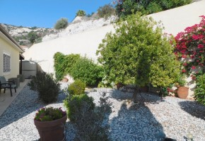 Bungalow For Sale  in  Peyia