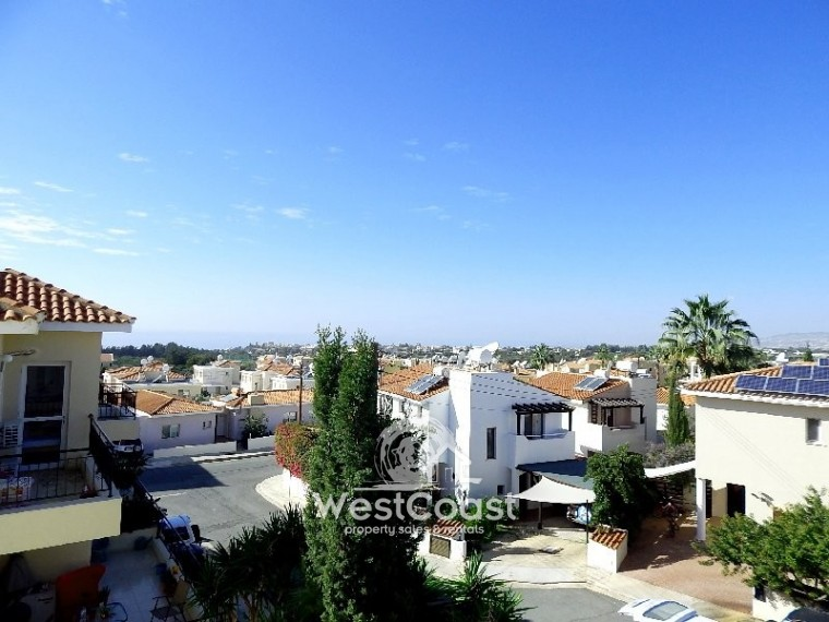 Town house for sale in emba paphos sl18001 for Full house house for sale
