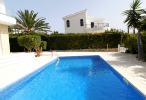 Detached Villa For Sale  in  Coral Bay