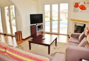 Detached Villa For Sale  in  Droushia